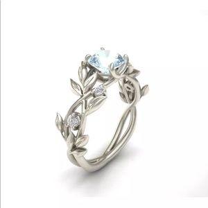 Jewelry - 💎 Stunning Aquamarine Ring NEW